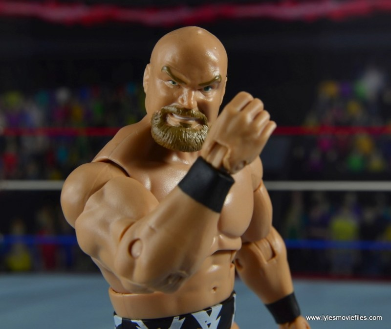 WWE The Warlord figure review -flexing