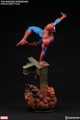 marvel-the-amazing-spider-man-premium-format-rear