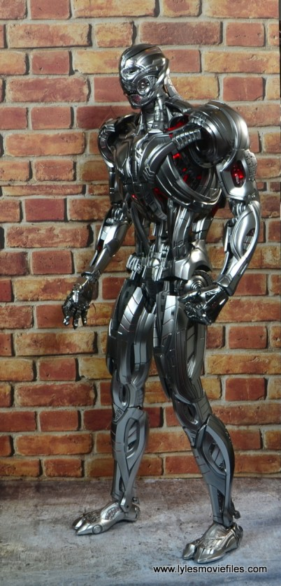 Hot Toys Avengers Ultron Prime figure review -left side
