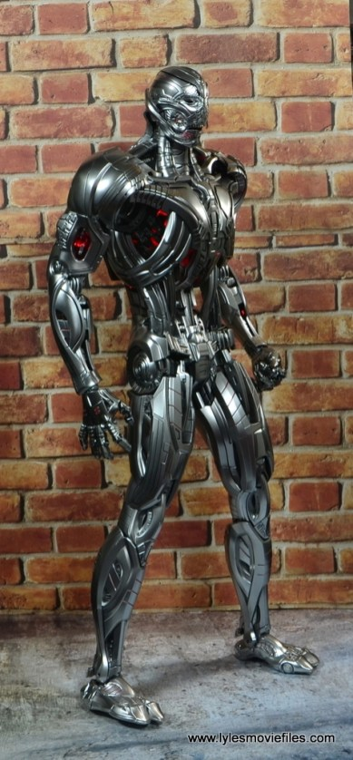 Hot Toys Avengers Ultron Prime figure review -right side