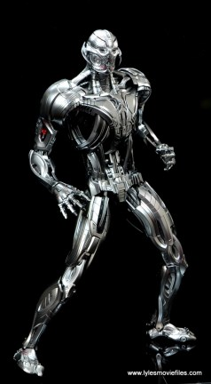 Hot Toys Avengers Ultron Prime figure review -wide leg stance