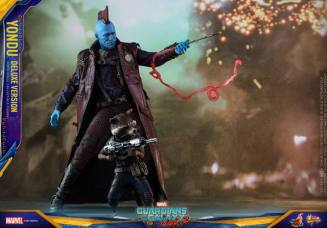 Hot Toys Guardians of the Galaxy Vol. 2 Yondu figure - with Rocket