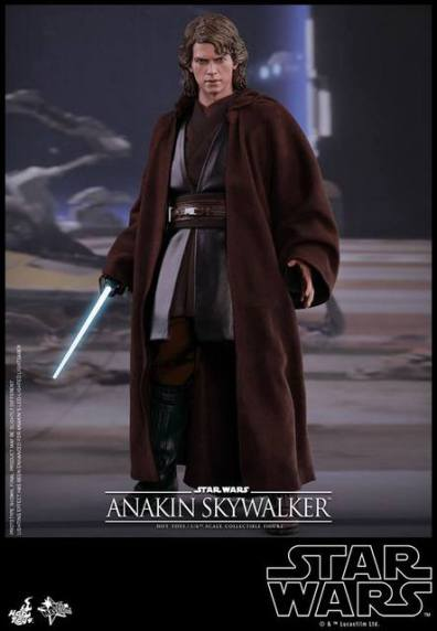 Hot Toys Revenge of the Sith Anakin Skywalker - robes on