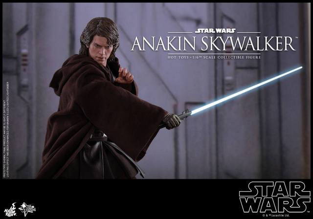 Hot Toys Revenge of the Sith Anakin Skywalker - strike pose