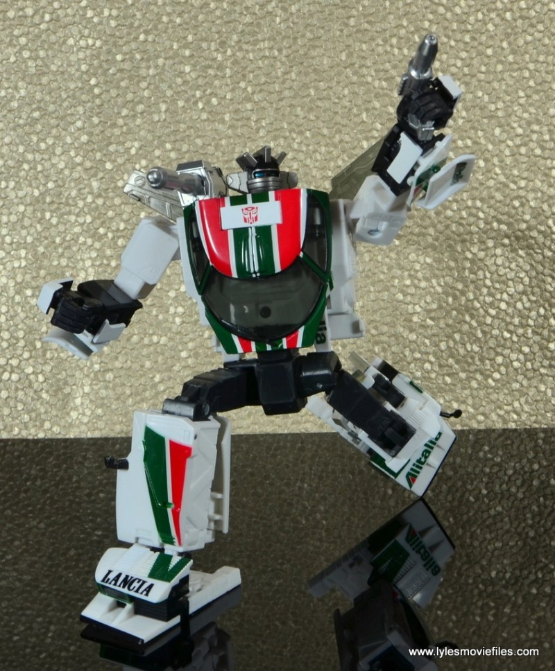 Transformers Masterpiece Wheeljack figure review -bending