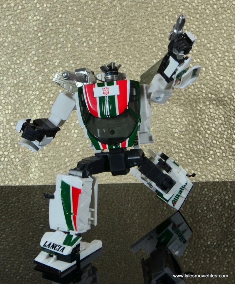 Transformers Masterpiece Wheeljack figure review -bending