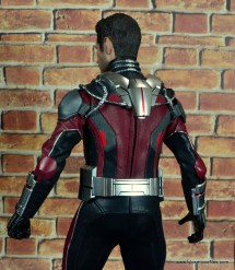 hot toys captain america civil war ant-man figure review -outfit rear detail