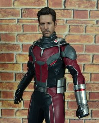 hot toys captain america civil war ant-man figure review -uniform detail
