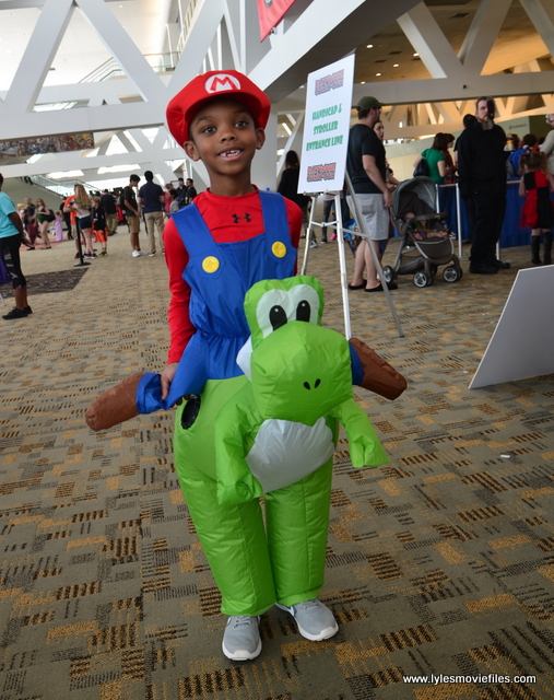 Baltimore Comic Con 2017 cosplay - Mario and Yoshi