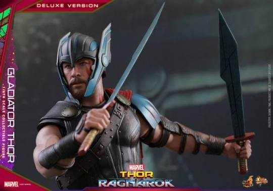Hot Toys Gladiator Thor figure - with helmet and swords