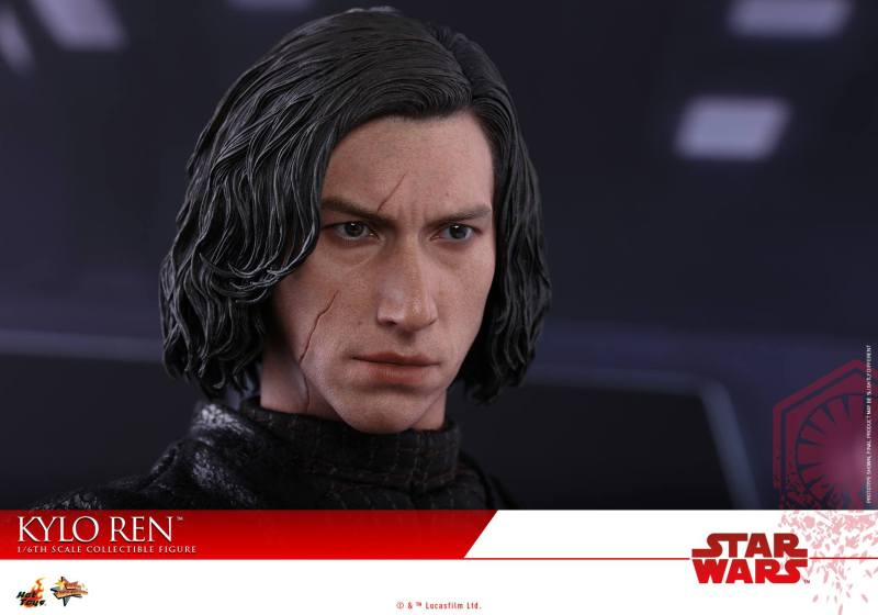 Hot Toys The Last Jedi Kylo Ren - scar detail