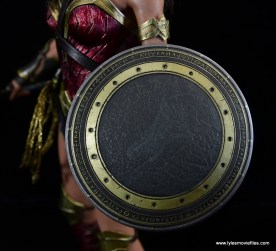Hot Toys Wonder Woman figure review -shield close up