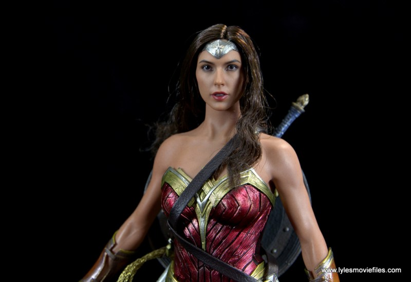 Hot Toys Wonder Woman figure review -sword in scabbard