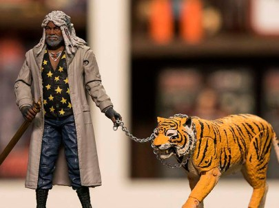 NYCC 2017 McFarlane Toys - The Walking Dead Ezekiel and Shiva - main