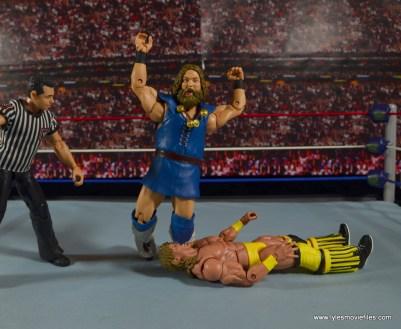 WWE The Berzerker figure review -kneedrop to Texas Tornado