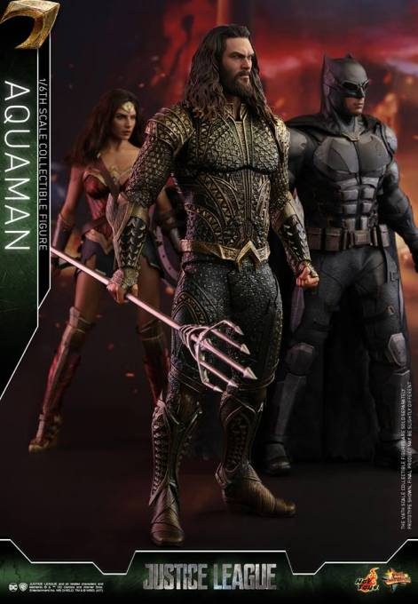 Hot Toys Aquaman figure - with Wonder Woman and Batman