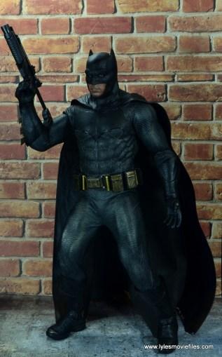 Hot Toys Batman v Superman Batman figure review -raising grenade launcher