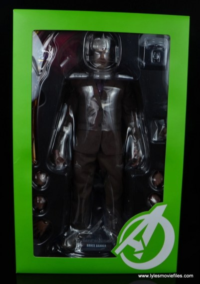 Hot Toys Bruce Banner figure review -inner package
