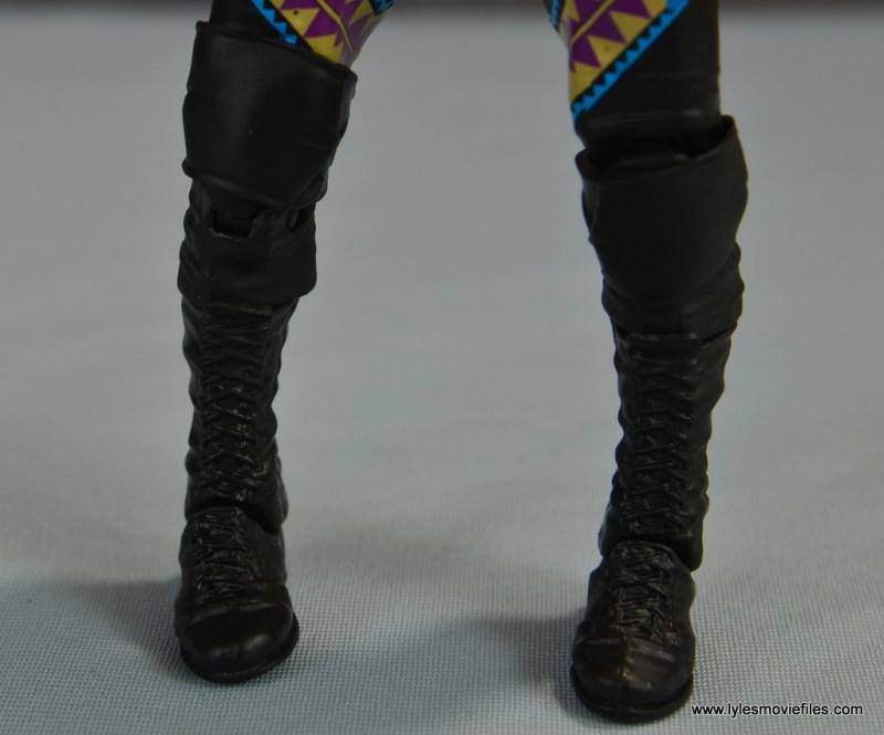 WWE Elite D-Lo Brown figure review - calves off