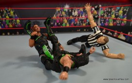 WWE Elite D-Lo Brown figure review -pinning X-Pac