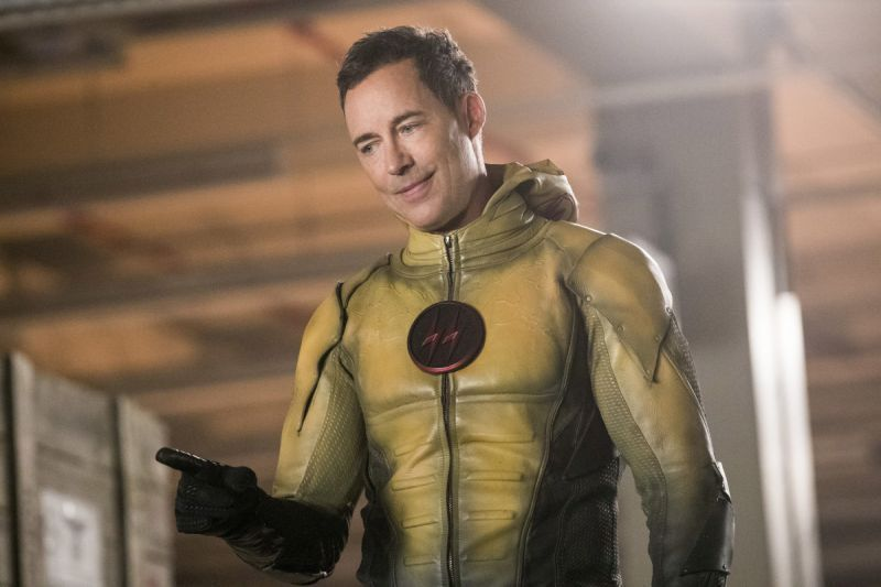 Arrow Crisis on Earth-X Part 2 review - Reverse Flash