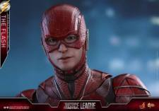 Hot Toys Justice League The Flash figure - wide pic