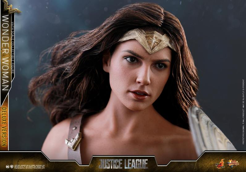 Hot Toys Justice League Wonder Woman figure -head closeup