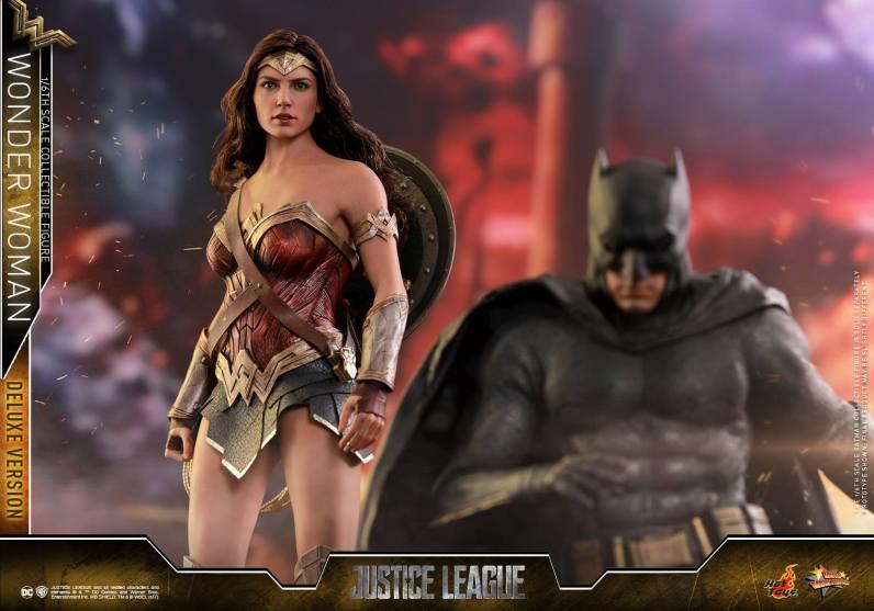 Hot Toys Justice League Wonder Woman figure -with Batman