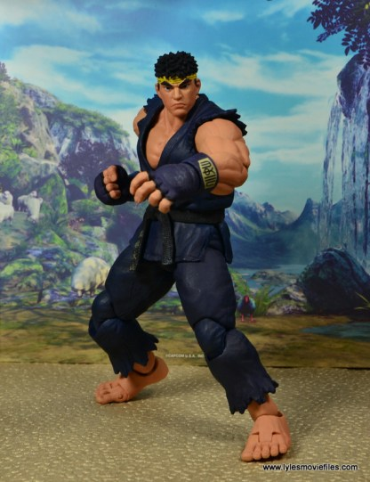 Storm Collectibles Street Fighter V Ryu figure review - fight pose