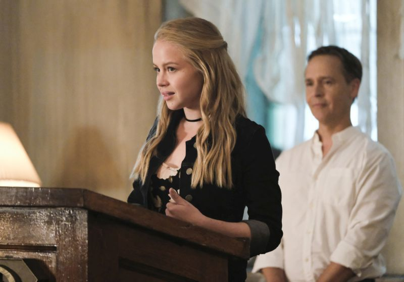 Supergirl Faithful review -Sofia and Thomas Coville
