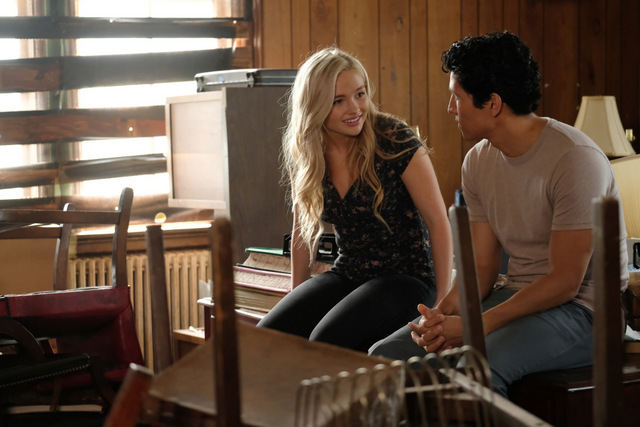 The Gifted got your siX review - Natalie Alyn Lyn and Danny Ramirez