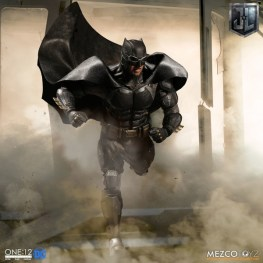 Mezco One12 Collective Justice League Movie Tactical Suit Batman figure charging