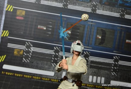 SH Figuarts Luke Skywalker figure review - battling training droid