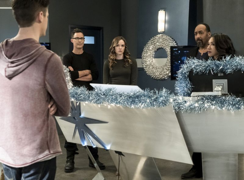 The Flash Don't Run review -Barry, Harry, Caitlin, Joe and Iris