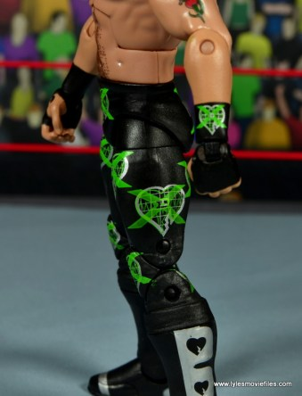 WWE Elite D-Generation X Shawn Michaels figure review - tight detail