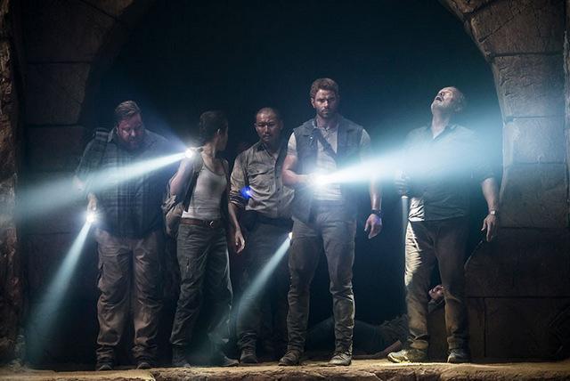 7 guardians of the tomb review - shane jacobson, bingbing li, kellan lutz, jason chong and kelsey grammer