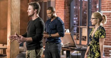 arrow-divided oliver, diggle and felicity