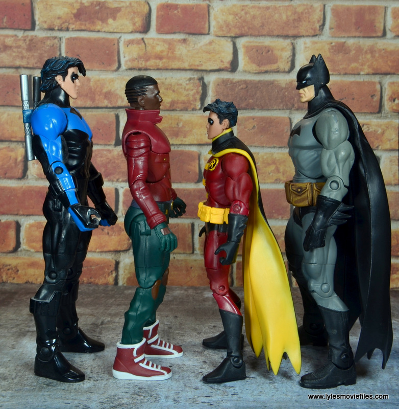 dc multiverse duke thomas figure review - scale with nightwing, robin and batman