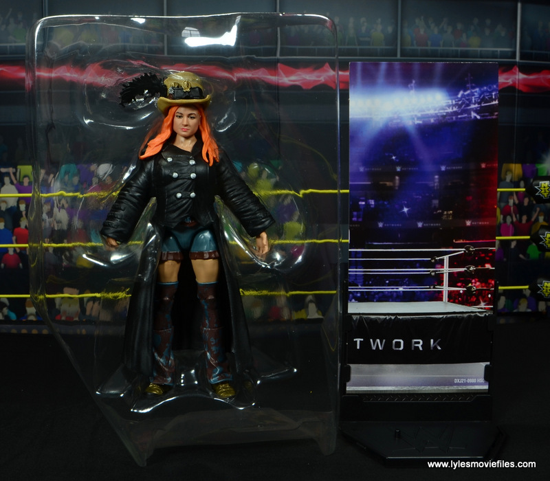 wwe elite 49 becky lynch figure review - accessories