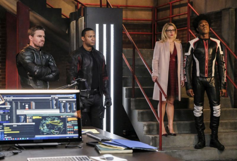 arrow all for nothing oliver, diggle, felicity and curtis