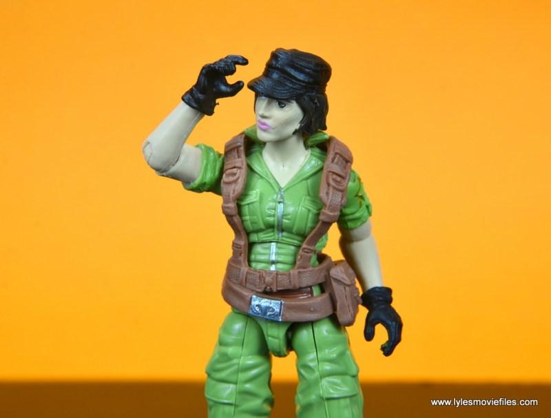 gi joe social clash lady jaye and baroness figure review set - lady jaye grabbing hat