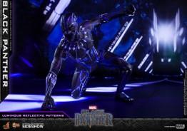hot toys black panther figure -led crouching