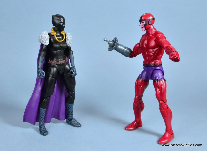 marvel legends shuri and klaw figure review -shuri and klaw face off