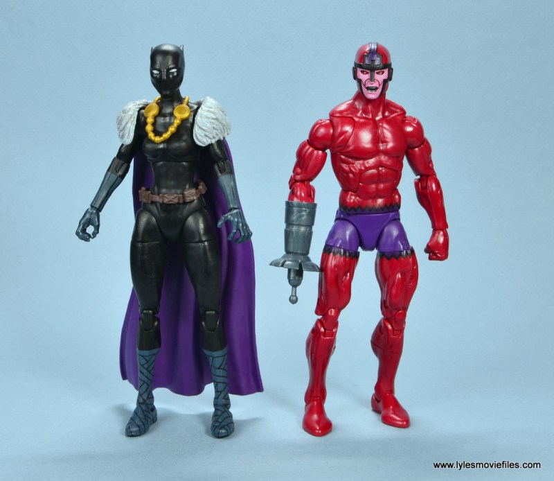 marvel legends shuri and klaw figure review -shuri and klaw side to side