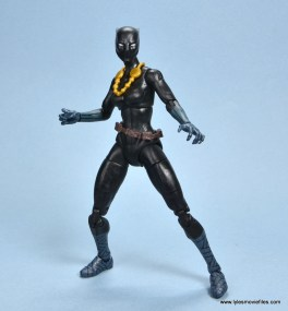 marvel legends shuri and klaw figure review -shuri battle stance