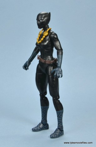 marvel legends shuri and klaw figure review -shuri left side