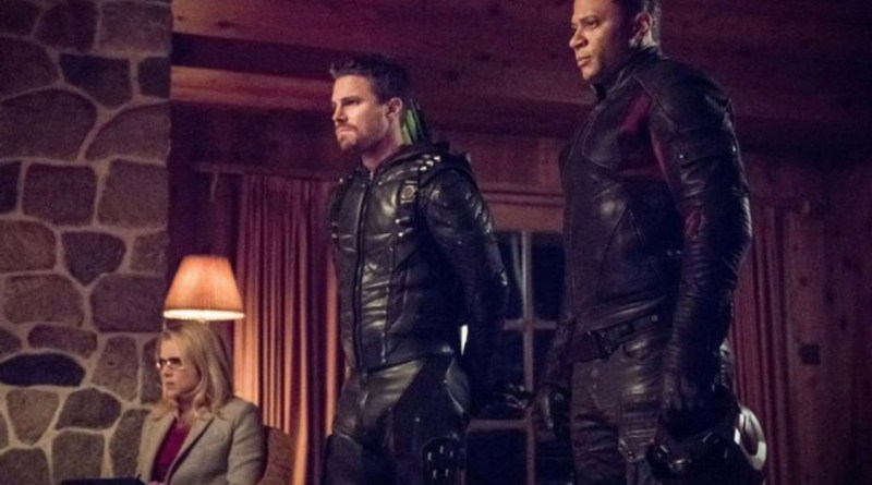 Arrow Collision Course review Felicity, Arrow and Diggle