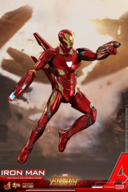 hot toys avengers infinity war iron man figure -right side