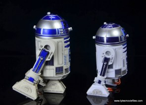 sh figuarts r2d2 figure review - right side with hasbro R2D2