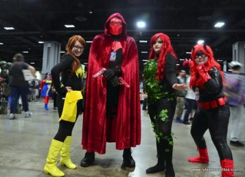 awesome con 2018 cosplay -batgirl, red hood, ivy and batwoman